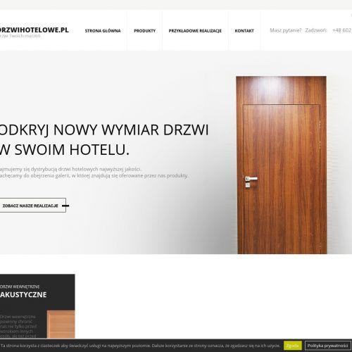 Drzwi hotelowe z zabudową